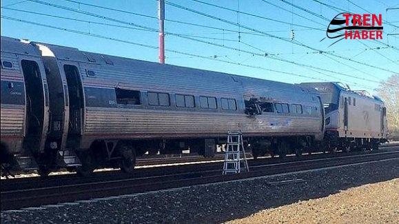 Amerika'da Tren Raydan Çıktı 2 Yolcu Öldü