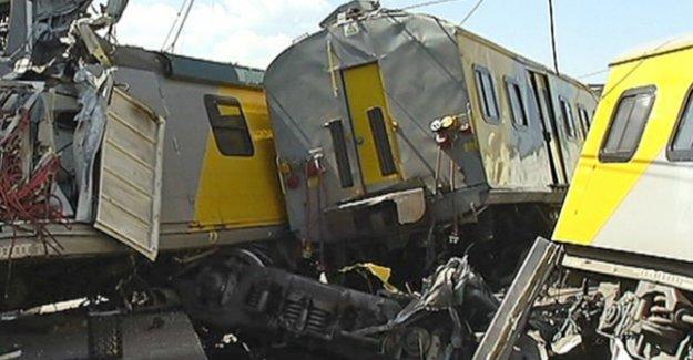 G. Afrika'da tren kazası: 1 ölü, 100'den fazla yaralı