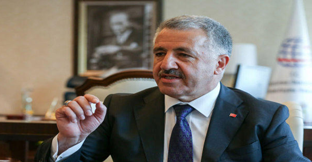 Ulaştırma Bakanı Ahmet Arslan, Ankara YHT Garı'nda incelemelerde bulundu