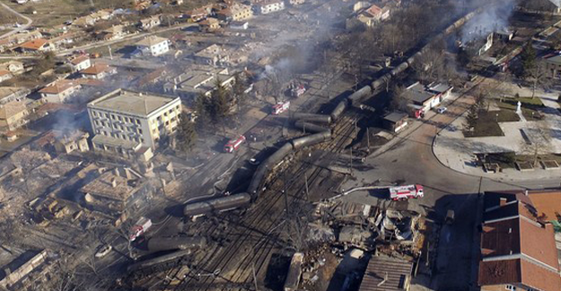 Bulgaristan tren kazasının enkazını hala kaldıramadı