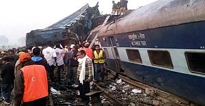 Hindistan'da katliam gibi tren kazası!...