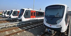 İzmir metrosuna yeni araçlar teslim alındı