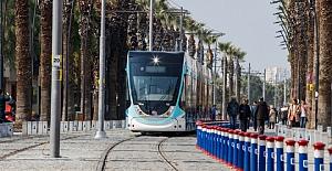 Karşıyaka tramvayını günde 15 bin kişi kullanıyor