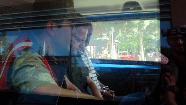 Elazığdaki-tren-kazasında makinistlere kelepçe takılması