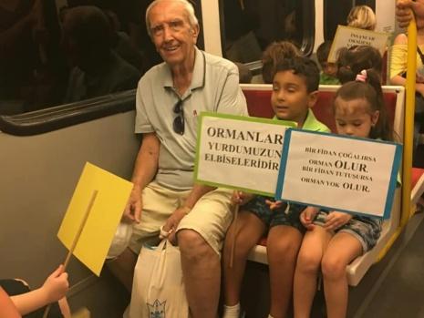 """İzmir Metro yolcularına """"Orman İzmir"""" daveti"""