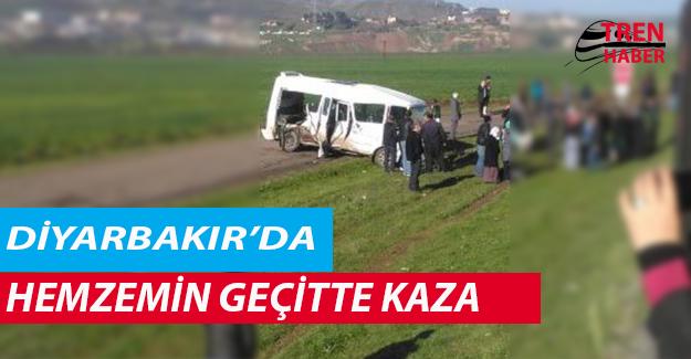 Diyarbakır'da Hemzemin Geçitte Kaza