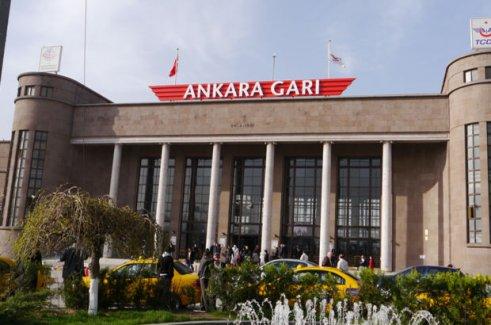 AK Parti Kongresi Nedeniyle Ankara Gar'a Girişler Kapatıldı.