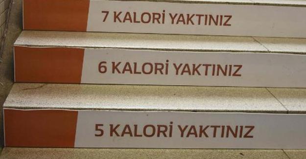 İzmir'de zayıflatan metro basamakları