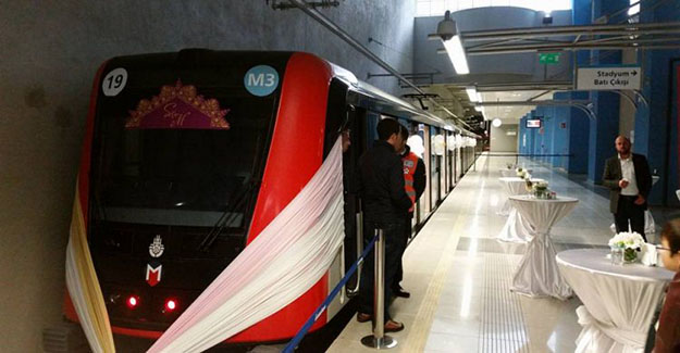 Yeni Trend Metro istasyonunda Nikah