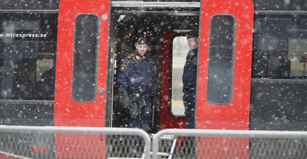 Bomba ihbarı tren trafiğini felç etti