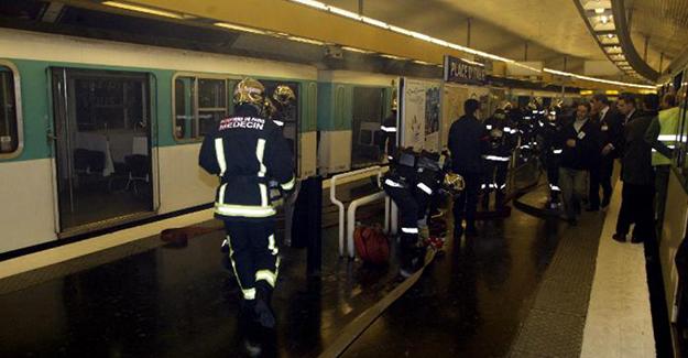 Metro istasyonunda patlama! 8 Yaralı