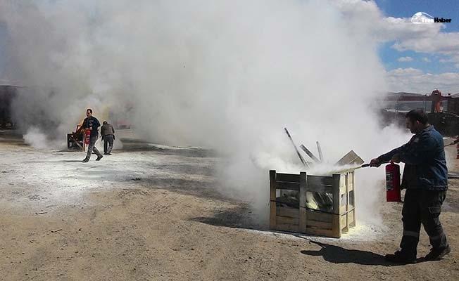 Tüdemsaş'ta Yangın Söndürme Eğitimi