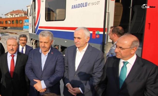 """Bakan Arslan: """"TÜVASAŞ yerli tren ihraç edecek"""""""