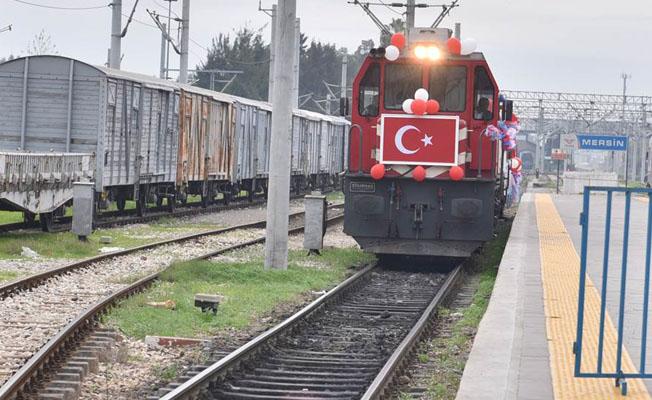 Temsili milisler tren garında karşılandı
