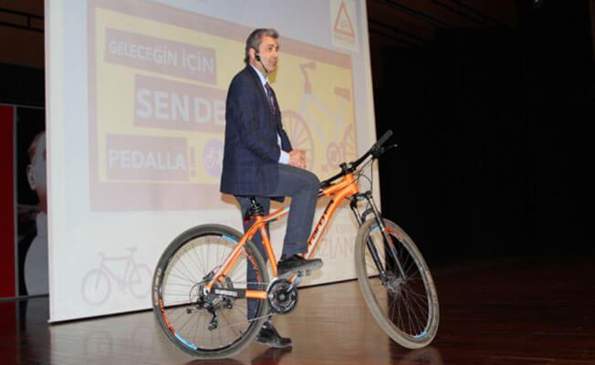 Yaşanabilir bir çevre için bisiklet kullanın