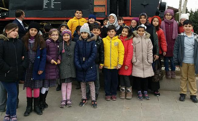 Erzincan'da Öğrenciler Tren Garı'nı Gezdi