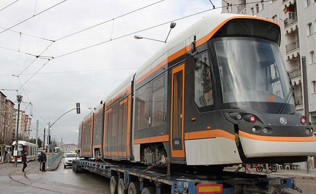 İthal tramvayların 2'incisi geldi