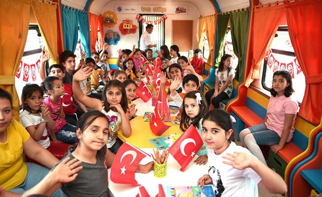 Çocuklara 23 Nisan Hediyesi! Tren kütüphane hizmete açıldı