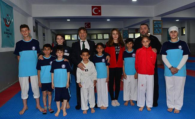 Mehmet Başoğlu'ndan Sivas Demirspor Kulübüne Ziyaret