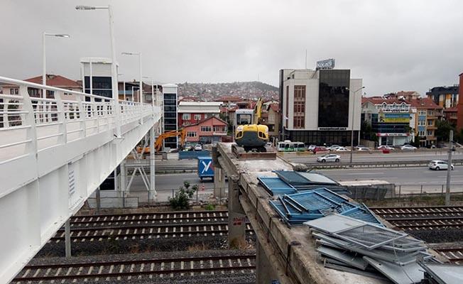 Kocaeli'de Eski Yaya Köprüsü Yıkılıyor