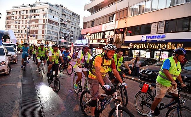 İzmir'de 'Otomobilsiz Kent Günü' Düzenlendi