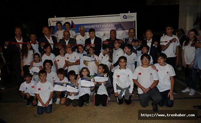 Antalya Yelken Kulübü Konyaaltı Sahili'ne Çok Yakıştı