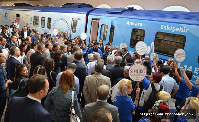 Sosyal Kooperatif Treni Alsancak Gar'da Karşılandı