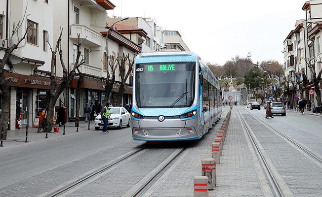 """Katenersiz Tramvay, Konya'ya """"İdeal Kent"""" Ödülü Getirdi"""