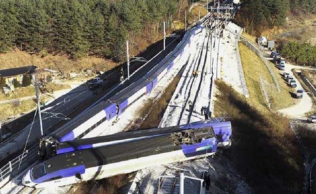 Güney Kore'de Tren Kazası! Yüksek Hızlı Tren Raydan Çıktı