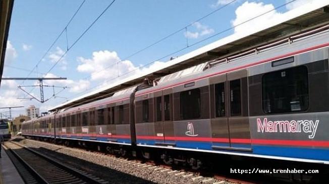 Banliyö tren seti Gebze'ye geldi