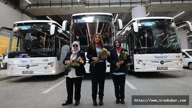 HAVAİST'te Kadınlar Çiçeklerle Karşılandı