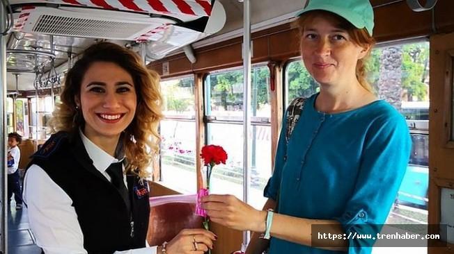 Nostaljik Tramvayda Annelere Sürpriz