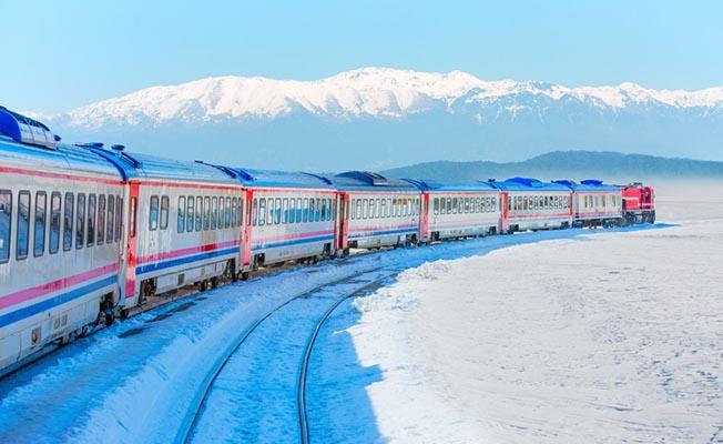 Van Gölü Ekspres, Ankara-Tatvan tren saatleri ve güzergahı