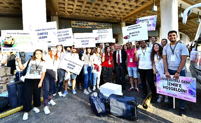 Başkan Soyer, İzmir Otogarında Öğrencileri Karşıladı