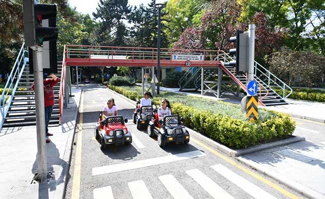 Başkentli Minikler Eğlenerek Trafik Kurallarını Öğreniyor
