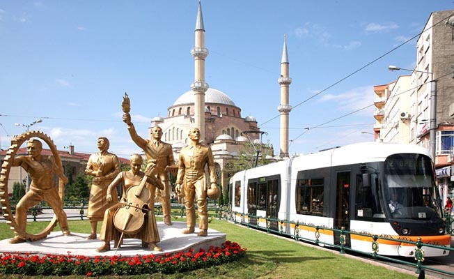 Eskişehir'de tramvay seferleri artırıldı