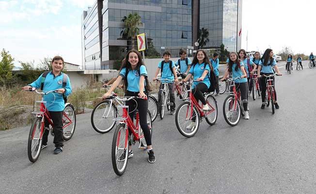 """İstanbul'da """"Haydi Çocuklar Bisikletle Okula"""" Etkinliği"""