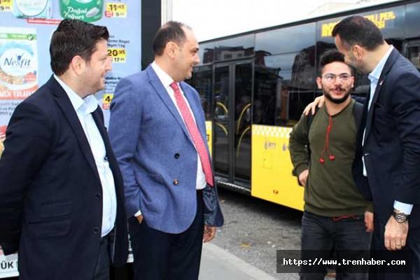 İBB ve İETT Yöneticileri, Sultanbeyli Otobüsünde Vatandaşlarla Buluştu