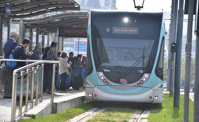 İzmir'de tramvay 50 milyon yolcu taşıdı