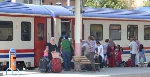 Batman Diyarbakır Tren seferlerine yoğun ilgi