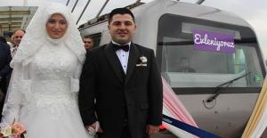 Metro İstasyonu'nda ilk nikah kıyıldı
