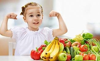Çocuklar İçin Sağlıklı Atıştırmalıklar Ne Olmalı?
