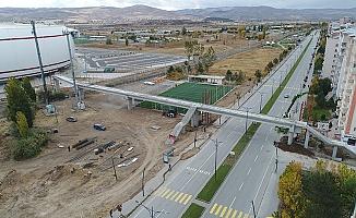 Sivas'ta demiryolu üst geçit çalışmaları devam ediyor