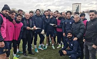 Başkan Yavuz'dan futbolculara jest!