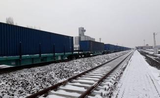 BTK trenleri milli yük vagonları ile dünyanın yükünü taşıyor