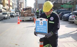 Otobüs duraklarındaki hatalı parklara mesajlı uyarı