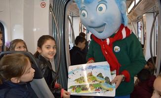 Kartepeli çocuklar tramvayla tanıştı