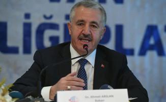 Bakan Arslan: Van ulaştırma koridoru merkezi konumunda