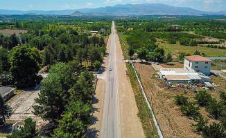 Eski Malatya'yı Karakaya Baraj Gölüne Bağlayan Yol Genişletiliyor