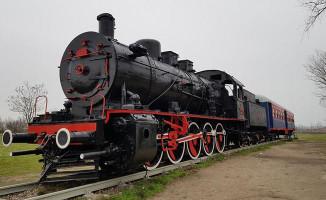 Antalya Kepez'e Buharlı Lokomotif Geliyor